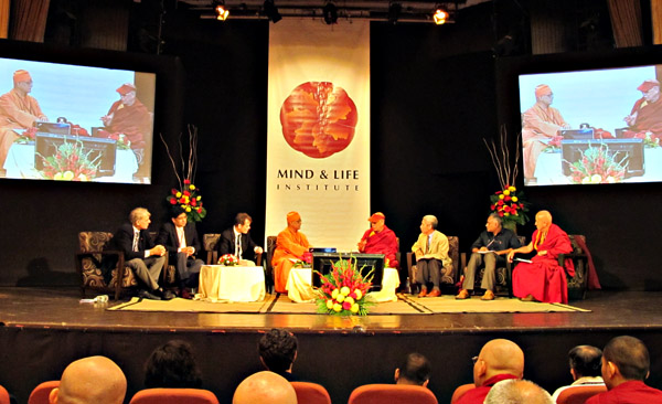 Dalailama na konferenci Mind and Life